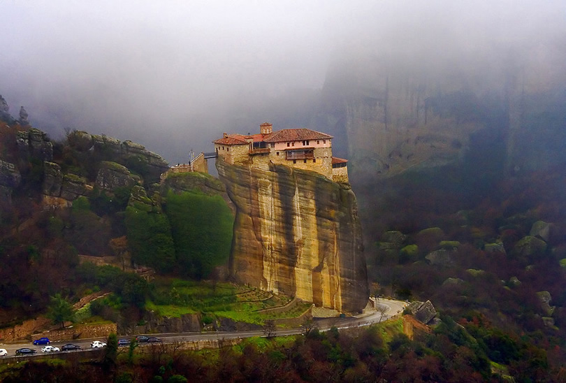 Meteora Photo by Vaggelis Vlahos